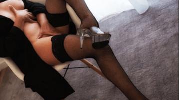 mistress lussuosa cerca schiavo